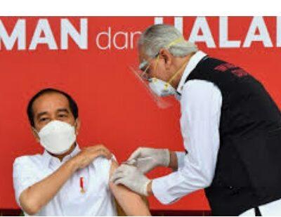 Jokowi Targetkan Vaksinasi 700 Ribu hingga 1 Juta Orang per Hari